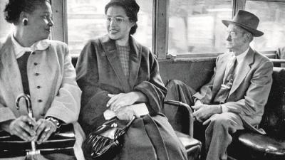 Precisamos de gente fiel à luta contra aquilo que está mal, necessitamos da singularidade de um acto, como o de Rosa Parks.