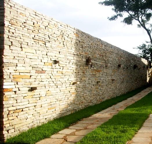 muro-com-pedra-1