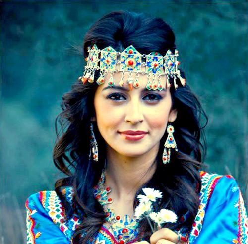 Femme Kabyle azul