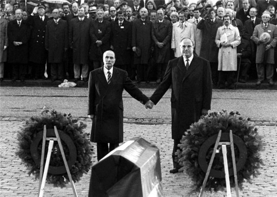 kohl-and-mitterand-in-verdun-1984-1
